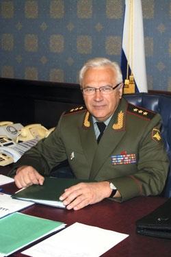 Генерал-полковник Александр Шляхтуров руководит военной разведкой последние два года.